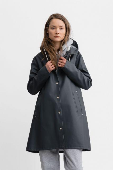 Stutterheim---Raincoat-for-women---Mosebacke---Charcoal