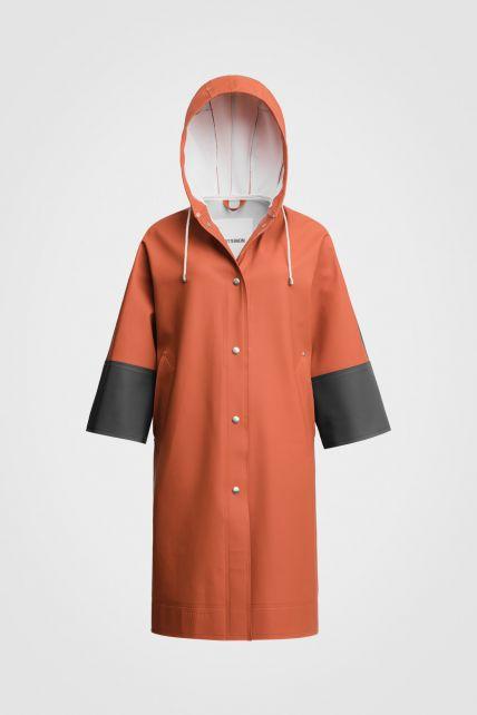 Stutterheim---Raincoat-for-men-and-women---Tre-Liljor---Ginger/Charcoal